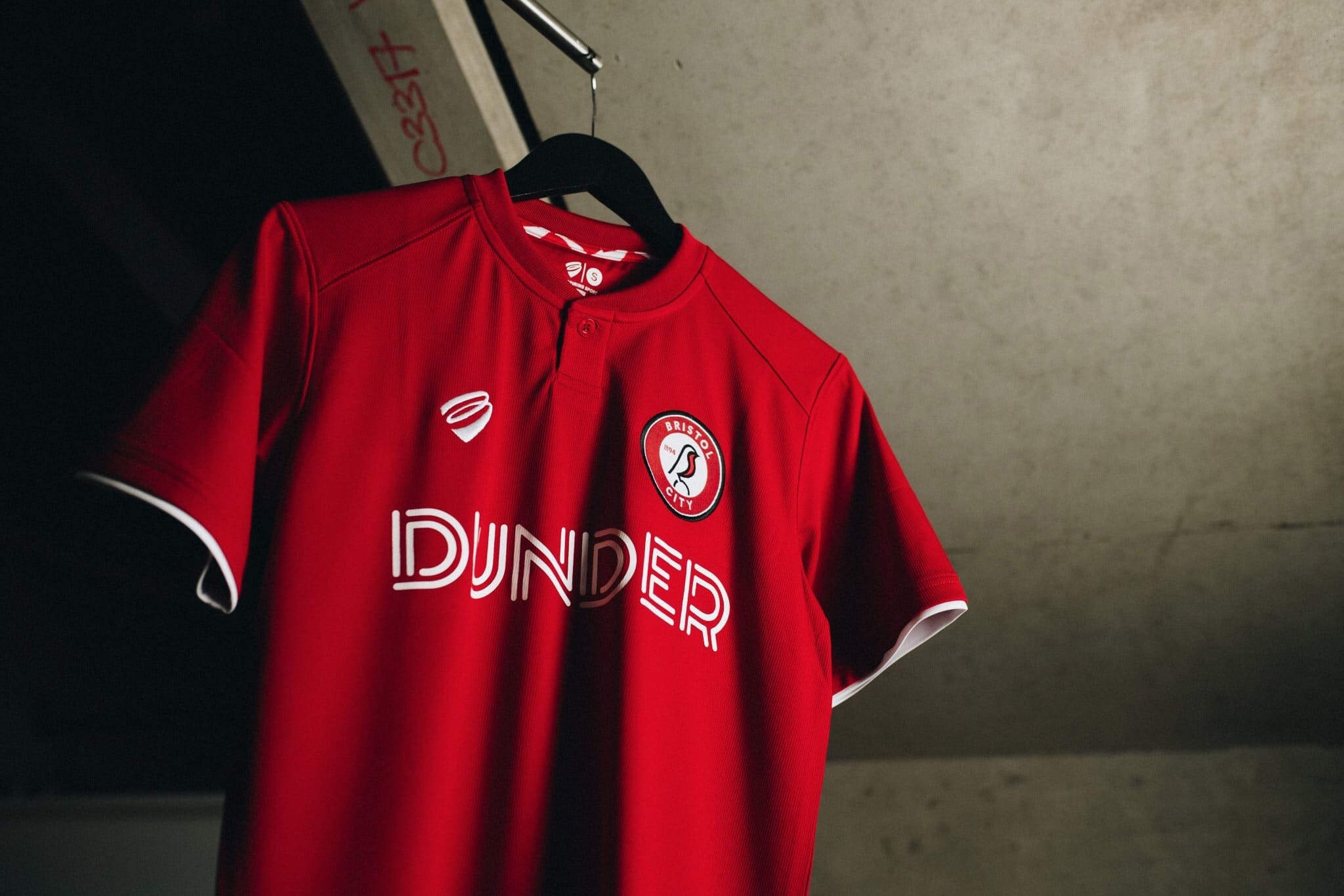 2efd03b2cde Bristol City 2019-20 Home Shirt Revealed | The Kitman